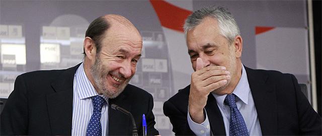 El primer año del bipartito andaluz se salda con más paro, déficit y recortes