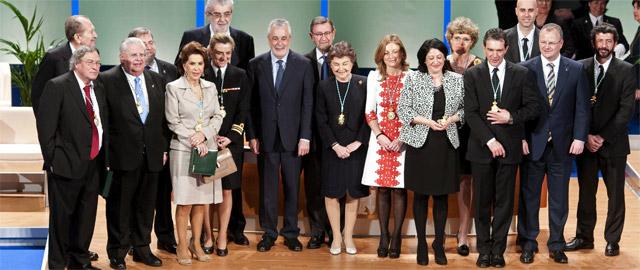 La Junta se gasta 37.000 euros en hacer 'triunfar' el 28-F en Twitter