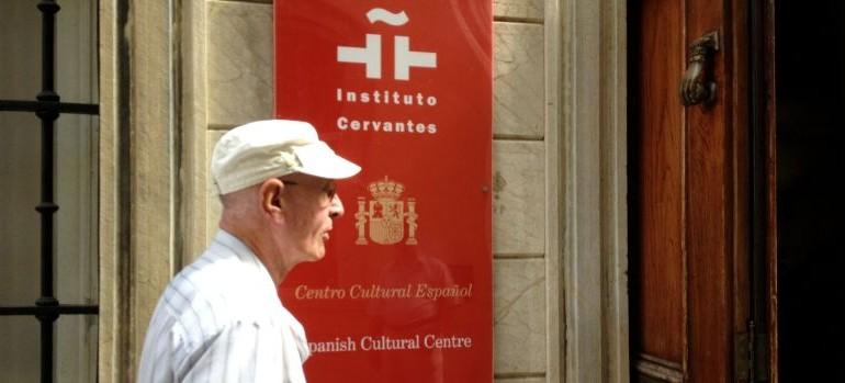 El español, otra víctima en Gibraltar: los menores de 30 prefieren hablar inglés