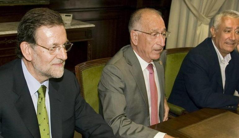Gabriel Amat 'enchufa' como funcionarios a 300 empleados de la Diputación de Almería