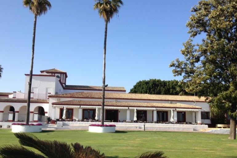 Tomares, retrato del pueblo más rico de Andalucía que desbancó a Marbella