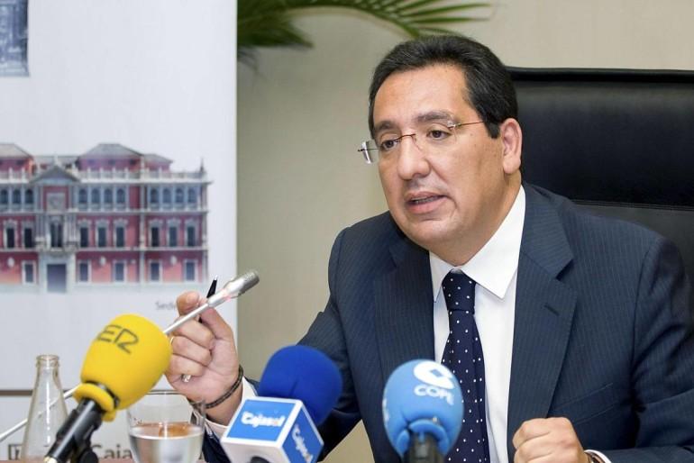 Pulido benefició a González Cobos con una permuta de bienes por acciones en Cajasol