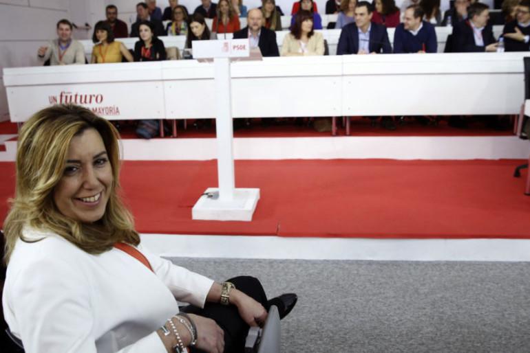 Susana Díaz retrasa su asalto a la jefatura de Ferraz