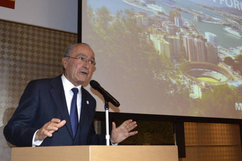 Art Natura: el alcalde de Málaga arremete contra el ex secretario de Estado de Cultura