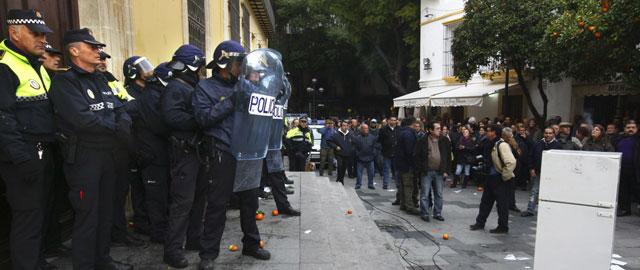 Jerez, en bancarrota, debe readmitir o indemnizar con 20 millones a 260 funcionarios