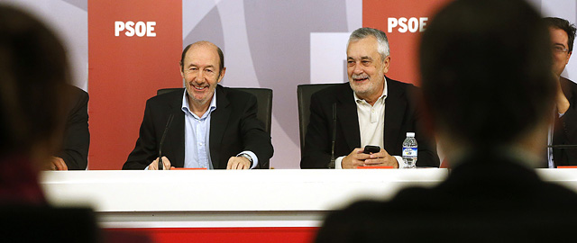 Griñán presenta un candidato fantasma a la sucesión de Rubalcaba para ensalzar al PSOE-A