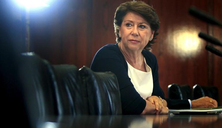 De Guindos hizo piña con Portugal para forzar la dimisión de Álvarez en el BEI