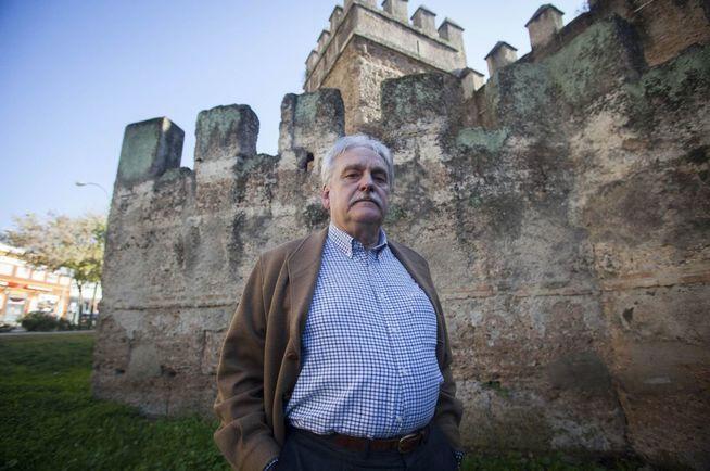 El cirujano taurino de Sevilla condenado por impagos