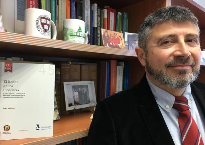 'El honor de los inocentes', libro del catedrático Ángel Rodríguez